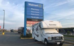 The Dos and Don'ts of Walmart RV Parking